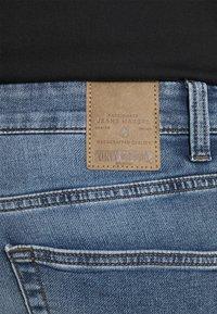 Only & Sons - ONSPLY LIFE - Denim shorts - blue denim - 4