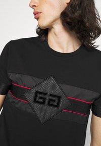 Glorious Gangsta - GALOS TEE - Print T-shirt - jet black/red - 4