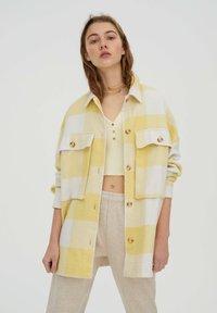 PULL&BEAR - Summer jacket - yellow - 0