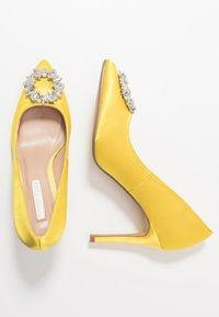 Dorothy Perkins - GLADLY POINTED TRIM COURT - Høye hæler - yellow - 3
