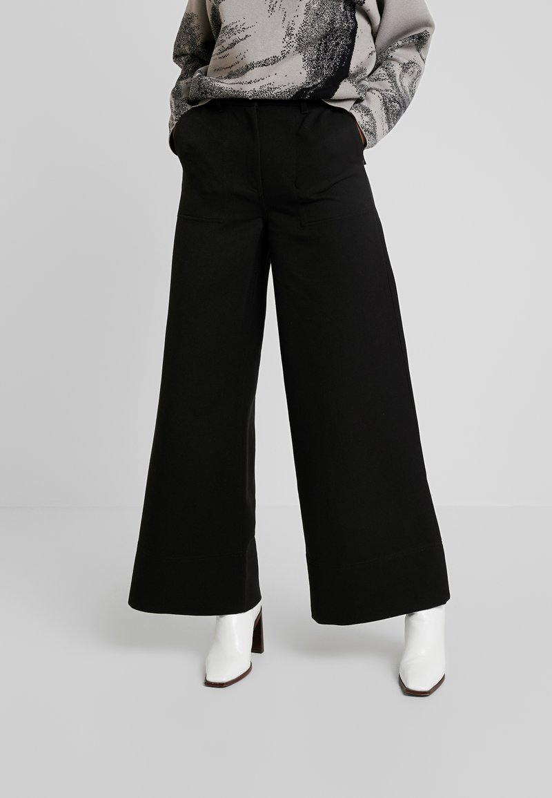 Weekday - KIM TROUSERS - Tygbyxor - black