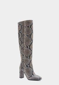 PoiLei - Laarzen met hoge hak - gray - 2