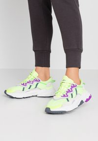 adidas Originals - OZWEEGO ADIPRENE+ RUNNING-STYLE SHOES - Tenisky - hi-res yellow/orchid tint/shock lime - 0