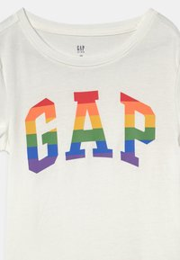 GAP - GIRLS PRIDE - Print T-shirt - new off white - 2