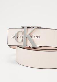 Calvin Klein Jeans - MONO HARDWARE - Pásek - pink - 2