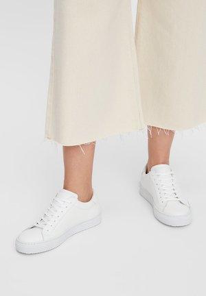 VEGANE SCHNÜR - Sneaker low - white