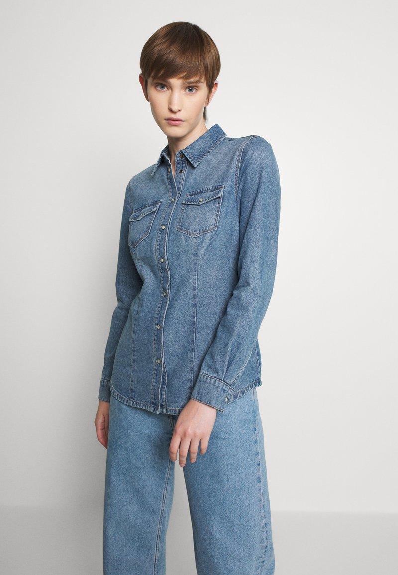 ONLY - ONLROCK IT LIFE - Košile - medium blue denim