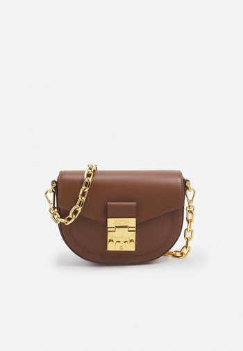 PATRICIA CROSSBODY IN EMBOSSED SPANISH LEATHER - Across body bag - toffee