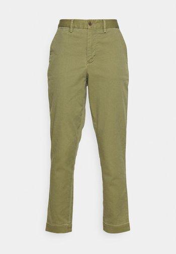 PANT - Chino - spanish green