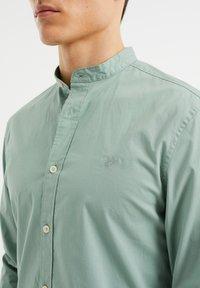 WE Fashion - SLIM FIT  - Shirt - mint green - 3