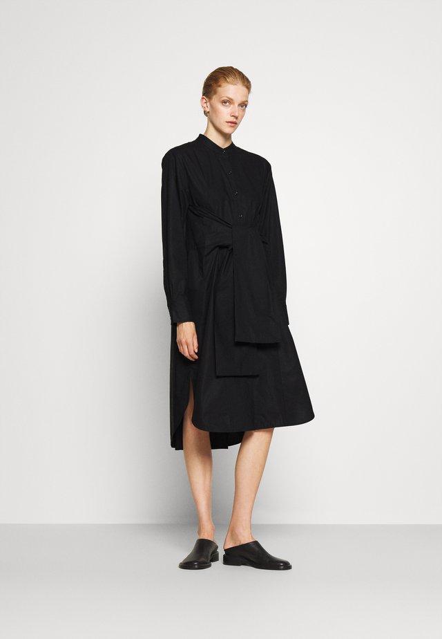 TIED SHIRT DRESS - Abito a camicia - black