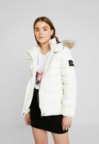 Calvin Klein - ESSENTIAL JACKET - Dunjakke - white - 0