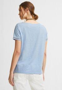 comma casual identity - Basic T-shirt - powder blue - 2