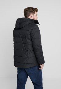 TOM TAILOR MEN PLUS - PUFFER JACKET WITH HOOD - Light jacket - black - 2
