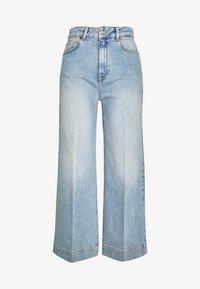SLFGENE WIDE CROP BAIR - Flared jeans - light blue denim