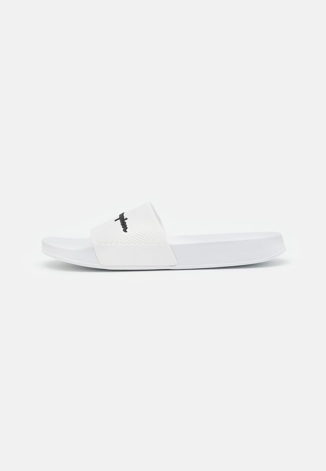 SLIDE DAYTONA - Sandales de bain - white