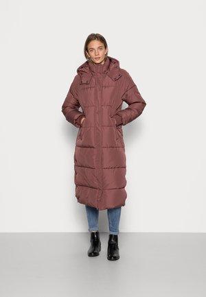 ELA SLIT - Winter coat - cherry mahogany