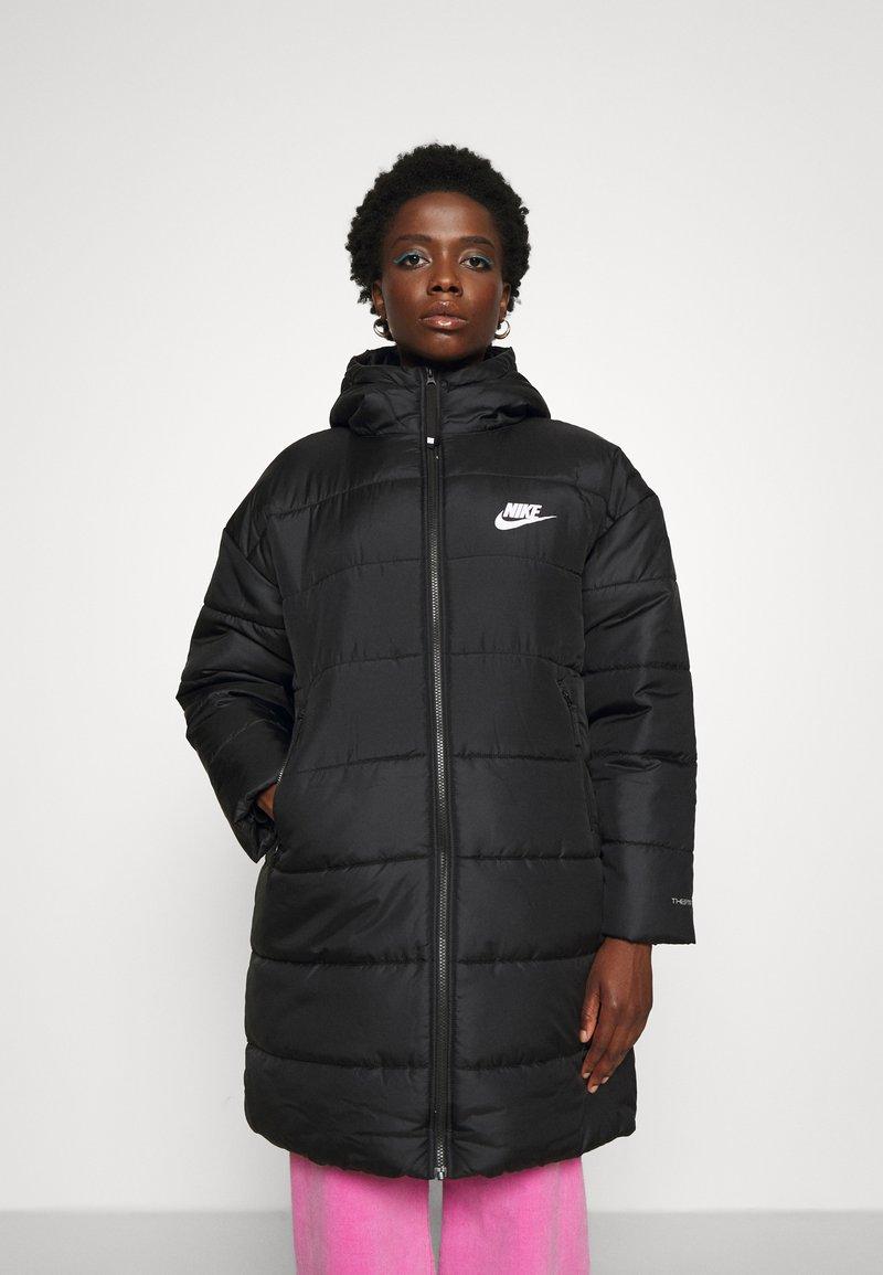 Nike Sportswear - CLASSIC - Winter coat - black/white