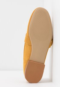 Dorothy Perkins Wide Fit - WIDE FIT LOLA BUCKLE LOAFER - Slip-ons - yellow - 6