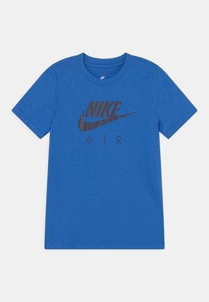 AIR TEE - T-shirts print - signal blue