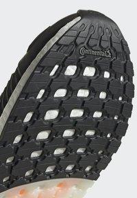 adidas Performance - ULTRABOOST DNA CC_1 CLIMA RUNNING - Scarpe da corsa stabili - black - 6