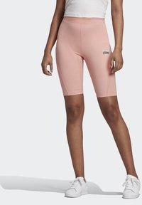 adidas Originals - R.Y.V. SHORT TIGHTS - Shorts - pink - 0
