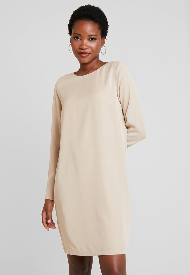 ANIKO DRESS - Korte jurk - sand