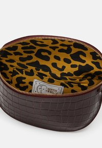 Scotch & Soda - BELT BAG - Ledvinka - plum - 2