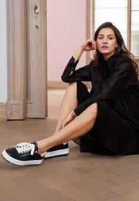 Gabor Comfort - Sneakers laag - midnight/weiß - 2