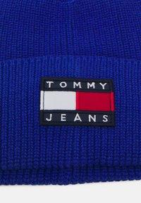 Tommy Jeans - HERITAGE BEANIE - Čepice - blue - 2