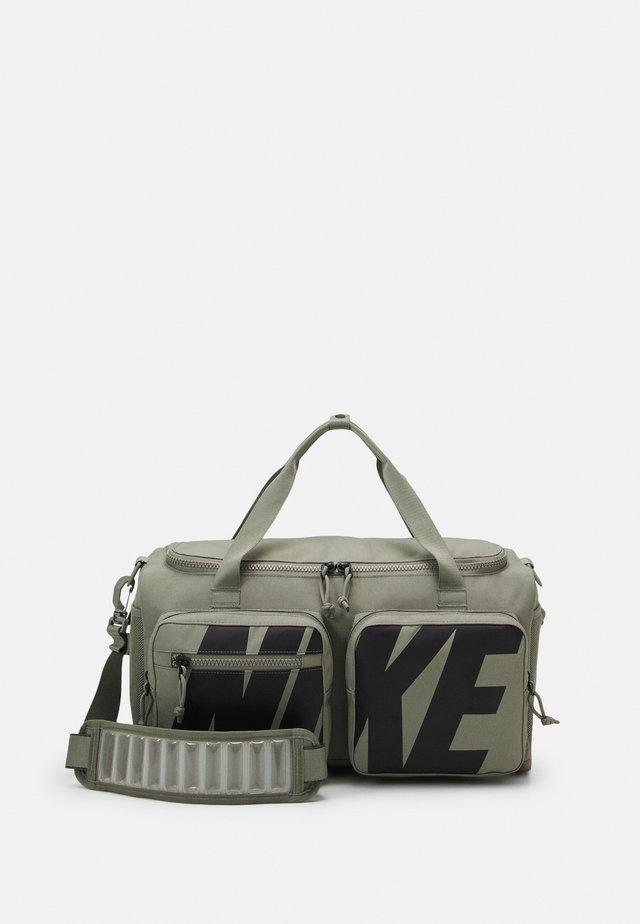UTILITY POWER S DUFF UNISEX - Sports bag - light army/light army/black