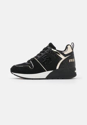 HENLEY - Sneakers basse - black