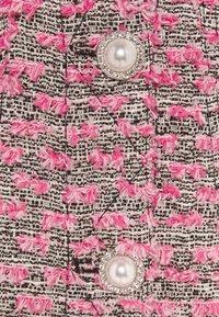 Custommade - YOEL - Kevyt takki - black/pink - 2