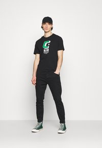 Converse - BALL TEE - Print T-shirt - black - 1