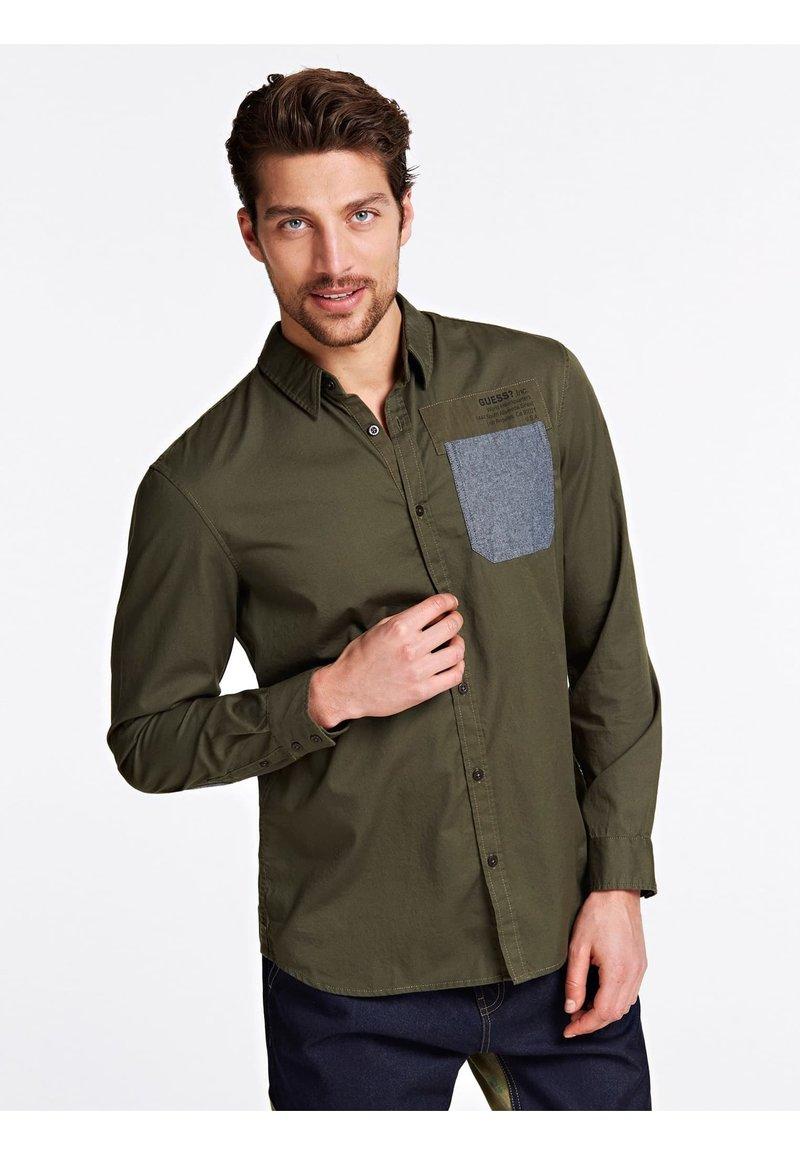 Guess - Shirt - mehrfarbig, grün