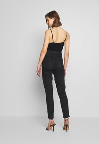 Topshop - BUT MOM - Džíny Relaxed Fit - washed black - 2