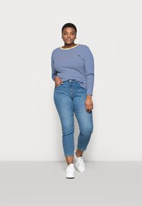 ONLY Carmakoma - CARTINE  - Long sleeved top - blue/white - 1