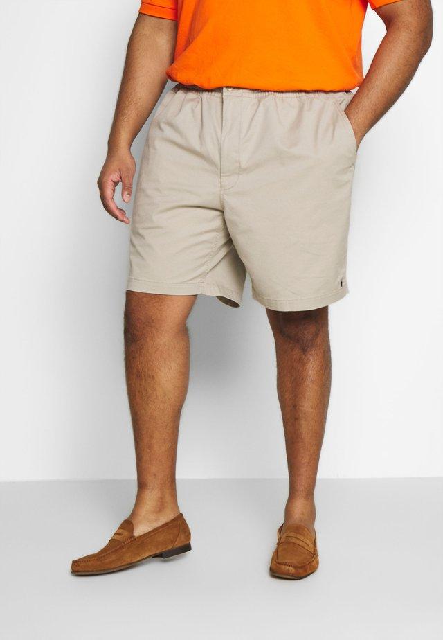CLASSIC FIT PREPSTER - Shorts - khaki tan