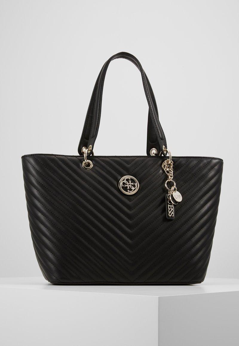 Guess - KAMRYN TOTE - Håndtasker - black