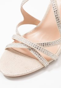 Paradox London Pink - ROMELIA - Sandaletter - champagne - 2