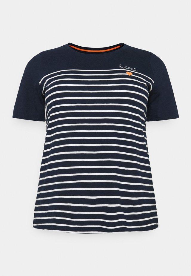 STRIPED CHEST EMBRO - Camiseta estampada - sky captain blue