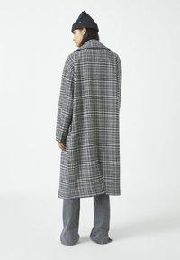 PULL&BEAR - Classic coat - dark grey - 2