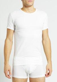Tommy Hilfiger - 3 PACK - Undershirt - black/grey heather/white - 1