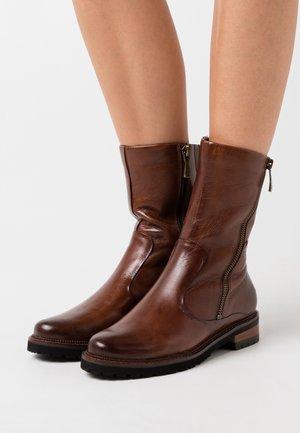 NANDU - Vysoká obuv - gianduia