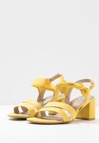Marco Tozzi - Sandalias - yellow - 4