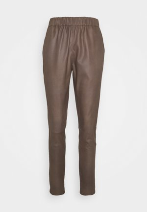 PANT - Spodnie skórzane - dusty taupe