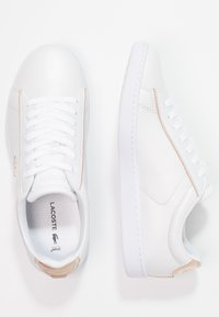 Lacoste - CARNABY EVO 118 6 SPW  - Baskets basses - white/gold