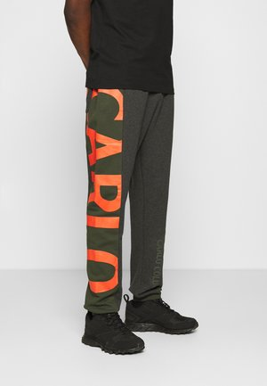 SIDE TAPE LOGO - Tracksuit bottoms - green