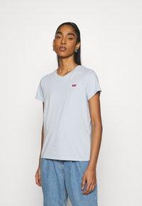 Levi's® - PERFECT TEE - Basic T-shirt - pearl gray - 0