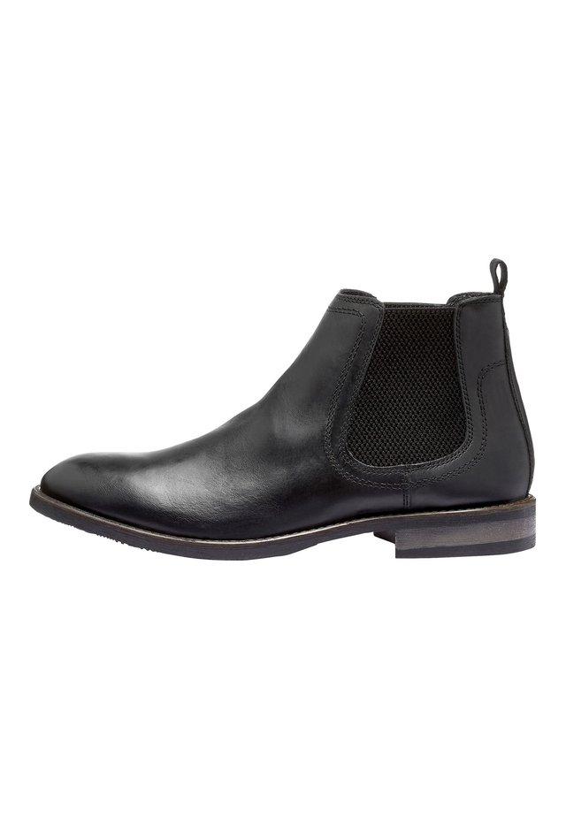 BLACK LEATHER CHELSEA BOOTS - Kotníkové boty - black
